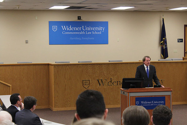Photo of Don McGahn giving a CLE lecture.