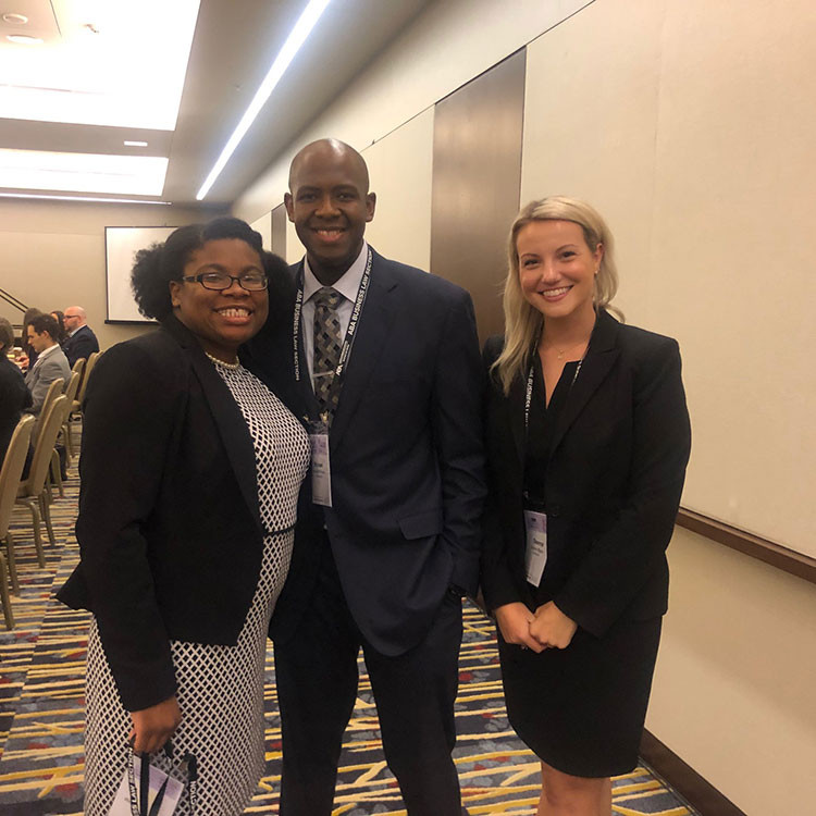 Business advising students attending a national conference