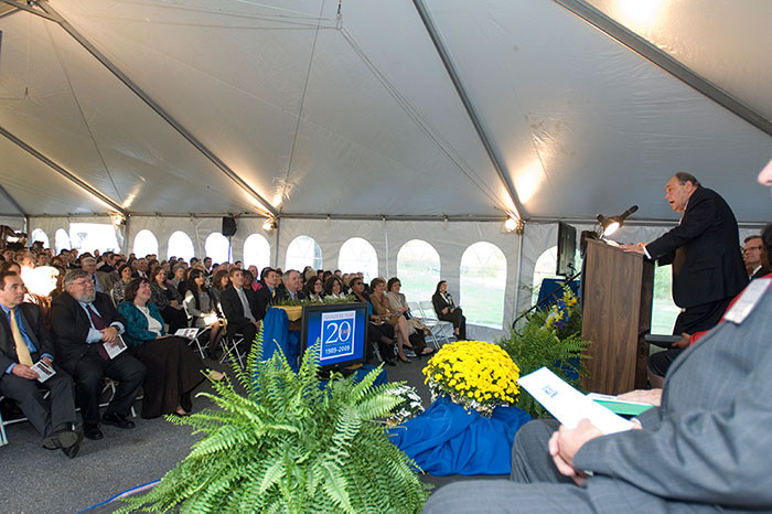 Anthony Santoro speaking to the crowd at the 2009 founders day celebration